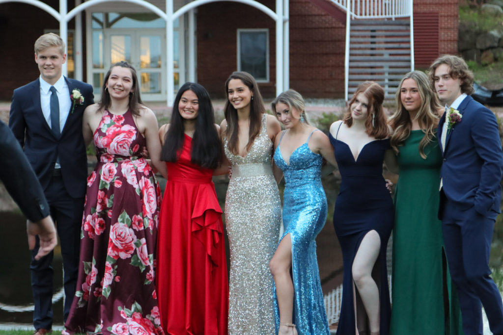 Senior Formal brought out the smiles as students spent a evening of dancing outside.